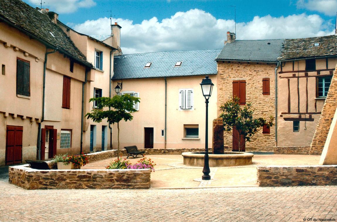 Naucelle-Place-Cazals.jpg